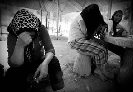 ۱۰ نکته در مورد تفاوت مصرف مواد مخدر بین زنان و مردان