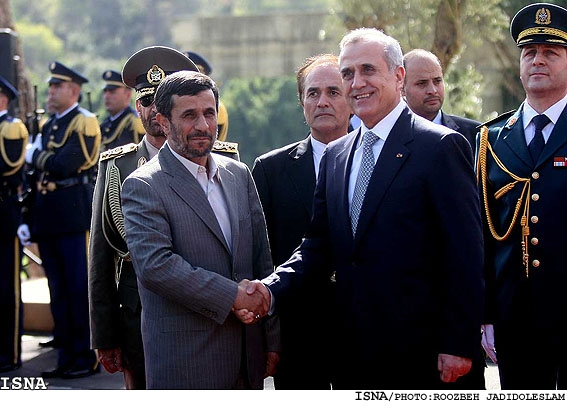 ملت و دولت ایران با افتخار در کنار لبنان ایستاده است