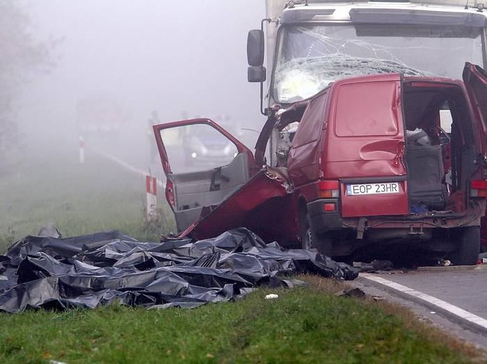 Bei einem schweren Verkehrsunfall in Polen sind mindestens 18 Saisonarbeiter gestorben- Auch in der
