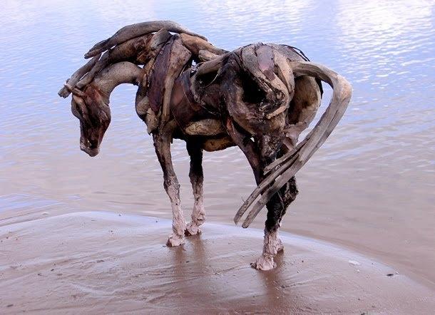 اسبهای چوبین