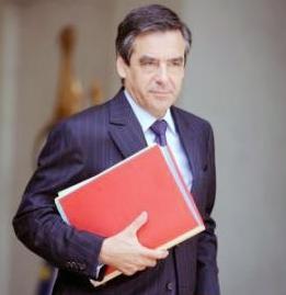 فیون برای دومین بار مامور تشکیل کابینه در فرانسه شد