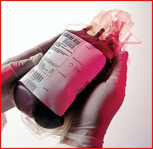 قبل و بعد از تاسوعا و عاشورا اهدای خون را فراموش نکنید