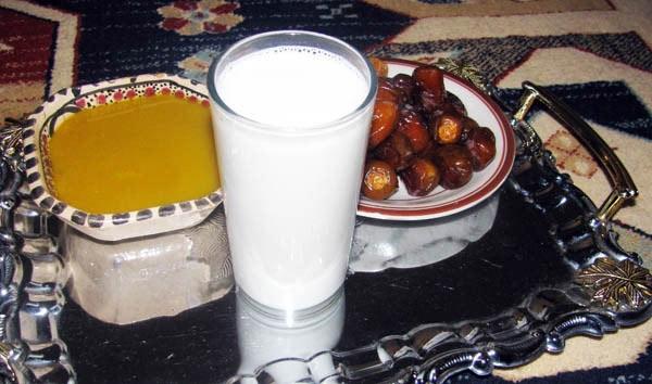 شیر و خرما