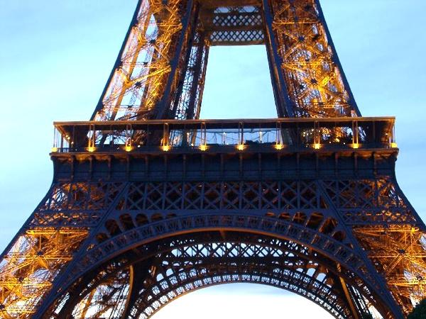 آشنایی با برج ایفل - فرانسه