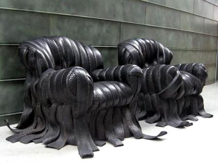 هنرنمایی با لاستیکهای کهنه خودرو