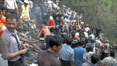 pakistan-plane-crash-6-5