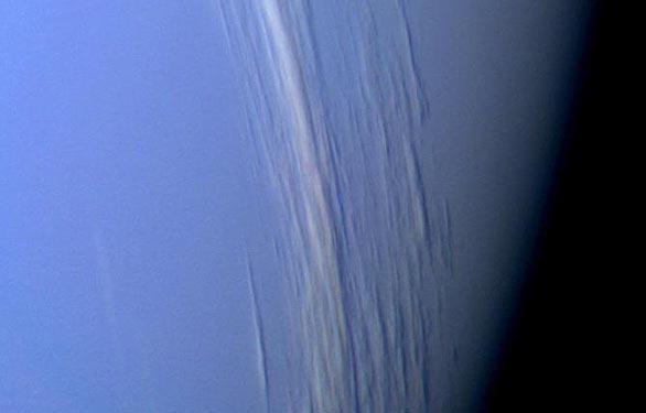 راز رنگ آبی سیاره نپتون