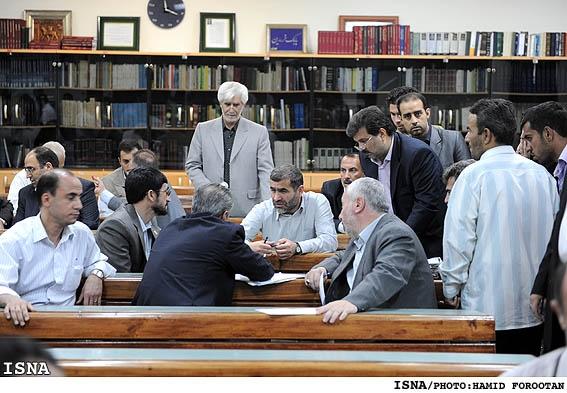 دیدار اعضای هیئت دولت با نمازگزاران جمعه تهران