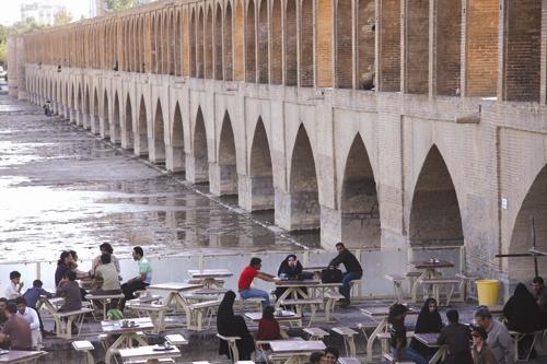 سی وسه پل اصفهان