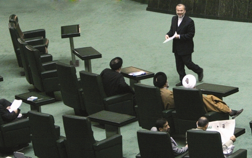 انتقاد از موازی کاری در سیاست خارجی