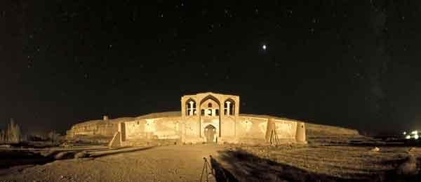 آشنایی با کاروانسرای ایزدخواست - فارس