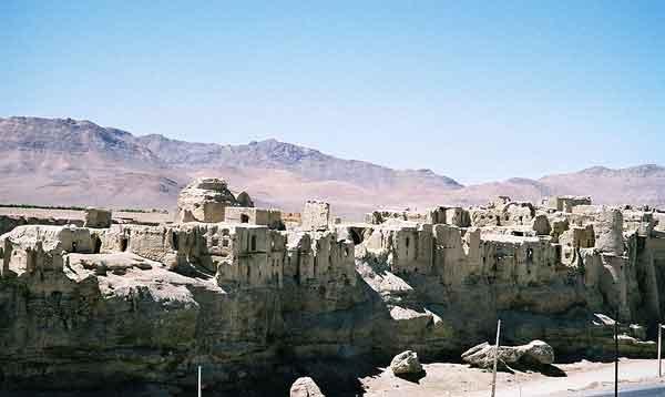 آشنایی با قلعه ایزدخواست - فارس
