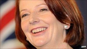 جولیا گیلارد نخستوزیر استرالیا ماند