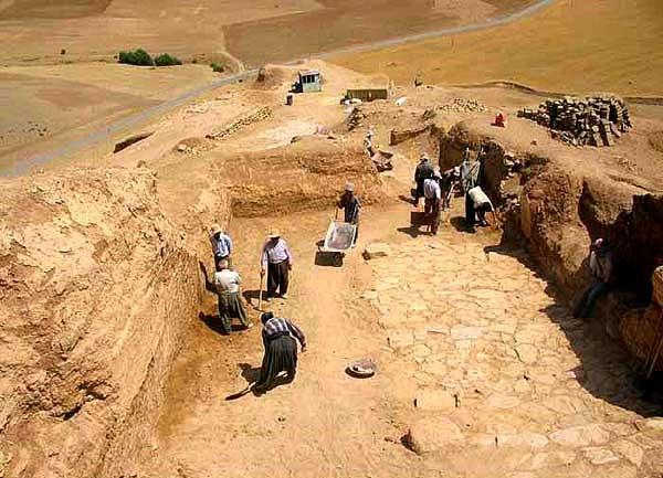 آشنایی با قلعه تاریخی زیویه - کردستان