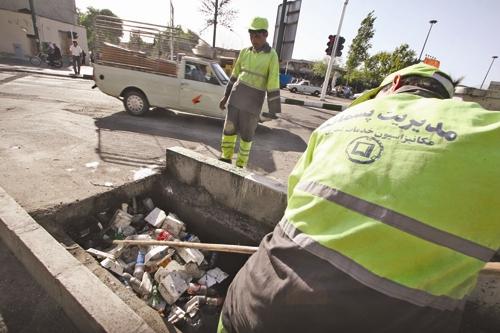 جمع آوری زباله - جوی آب