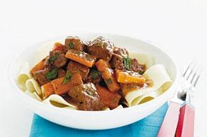 آشنایی با روش تهیه راگوی گوشت و هویج