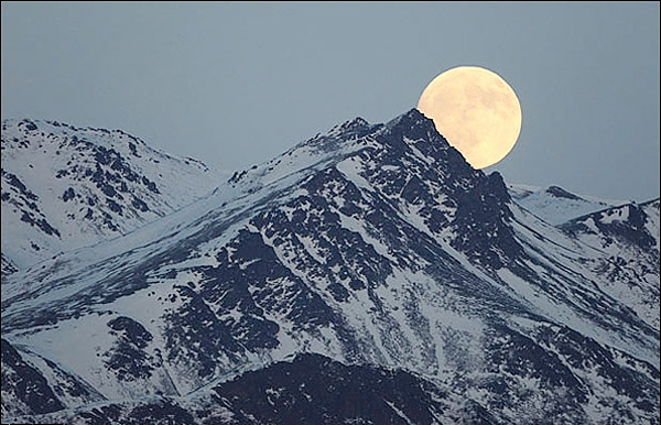 طلوع ماه برفراز کوهستان چوگاچ
