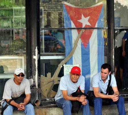 دولت کوبا 500 هزار نفر از کارکنان خود را کاهش میدهد