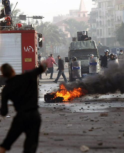 درگیری شدید نیروهای امنیتی مصر با معترضان