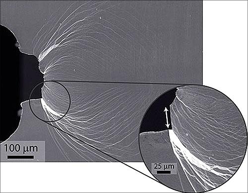 ابر فلز شیشهای مقاوم تر از فولاد