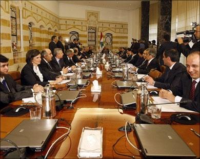 تهدید 11 وزیر کابینه لبنان به خروج از دولت