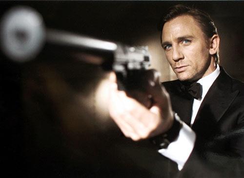 جیمز باند باز میگردد