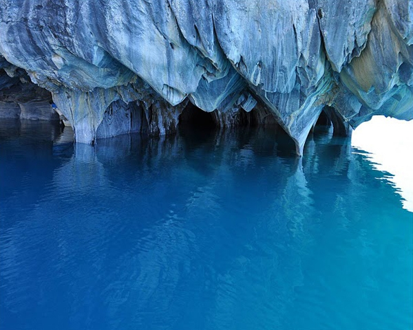 زیباییهای دریاچه کاررا