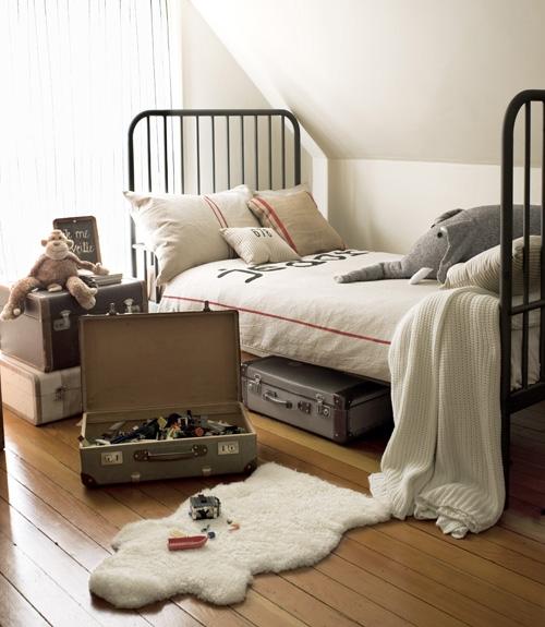 چطور اتاقخواب بچهها را خلوت کنیم؟