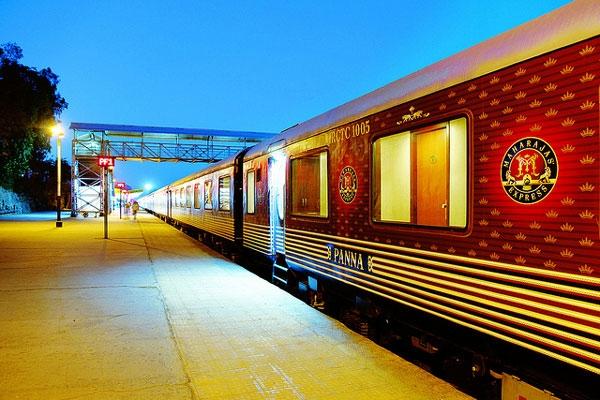 نگاهی به قطار مجلل ماهاراجه اکسپرس؛ مجللترین قطار راهآهن هند
