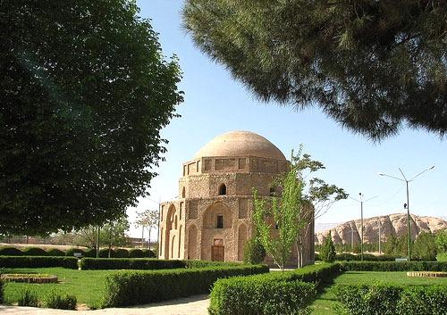 آشنایی با گنبد جبلیه - کرمان
