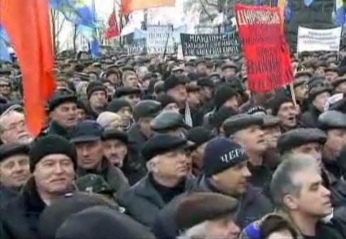 مخالفان دولت اوکراین خواستار برکناری رییس جمهوری شدند