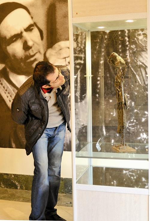 نمایشگاه مجسمه های مش اسماعیل