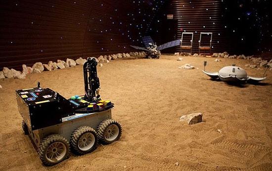 مسافران مارس 500 روی مریخ فرود میآیند