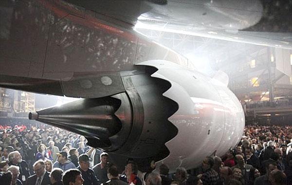 بوئینگ، بزرگترین هواپیمای جهان را رونمایی کرد