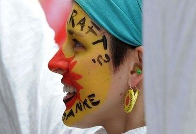 بیش از 200 هزار آلمانی بر ضد انرژی هستهای راهپیمایی کردند