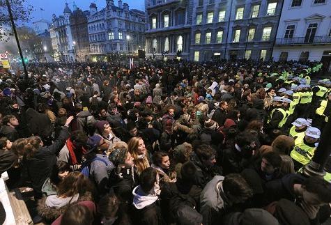 برگزاری بزرگترین تظاهرات ضد دولتی در 8 سال گذشته در لندن