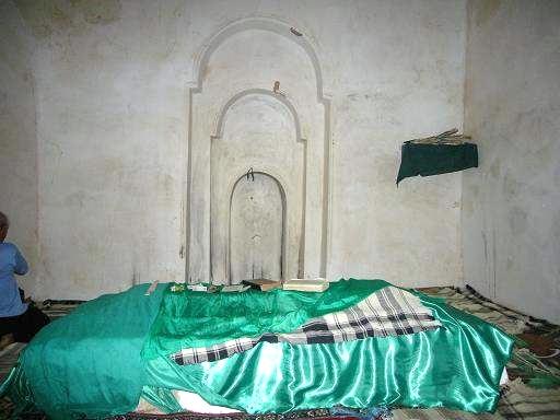 آشنایی با آرامگاه ابودجانه - کرمانشاه