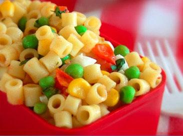 غذای رنگی با پاستا