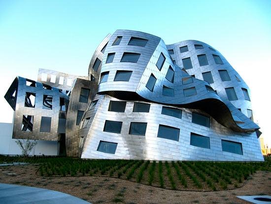 آشنایی با معماری کلینیک لو روو