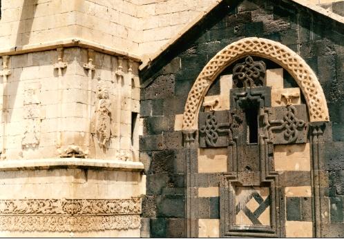آشنایی با کلیسای تاتووس مقدس - آذربایجانغربی