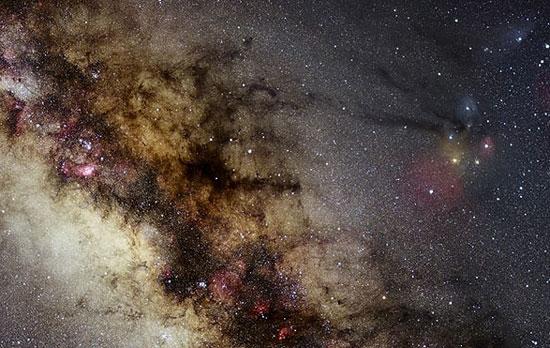 تصویری از کهکشان راه شیری که طی یک سال تهیه شده است