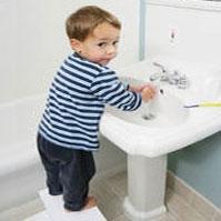 آموزش شستن دست به خردسالان
