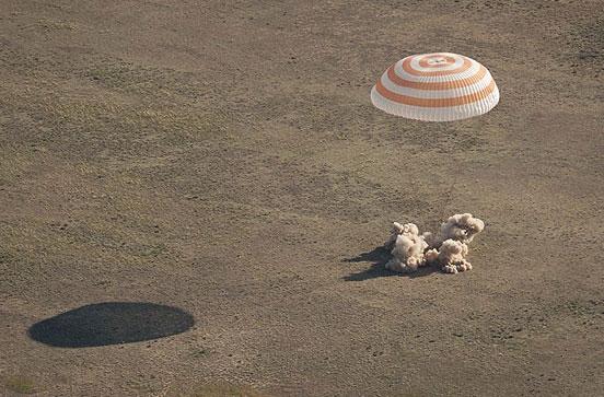 گزارش تصویری فرود کپسول سایوز بر روی زمین