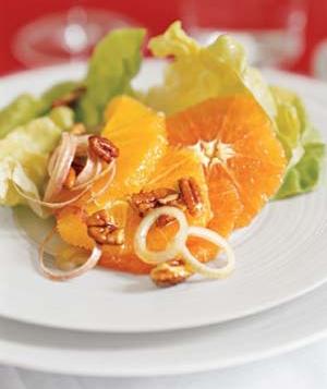 آشنایی با روش تهیه سالاد پرتقال، گردو و کاهو