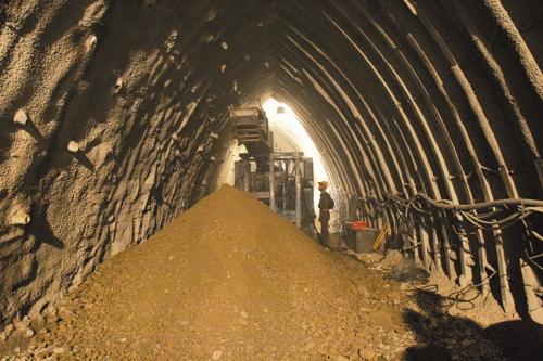 احداث تونل نیایش