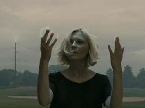 کریستین دانست در فیلم ملانکولیا