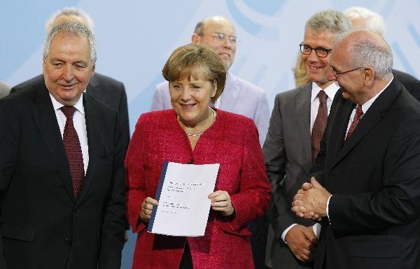 آلمان نیروگاههای اتمی را تا سال ۲۰۲۲ از مدار خارج میکند