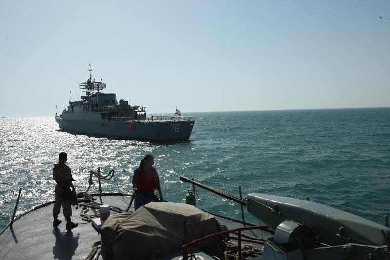 نیروی دریایی ارتش نفتکش اماراتی را از چنگ دزدان دریایی نجات داد