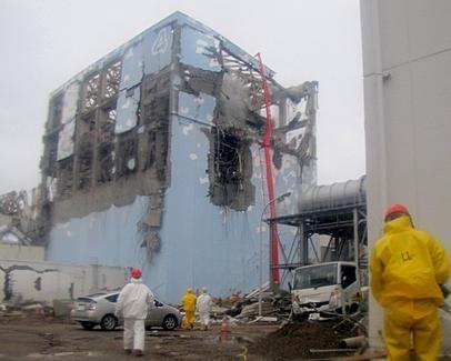 بقایای نیروگاه هسته ای فوکوشیما
