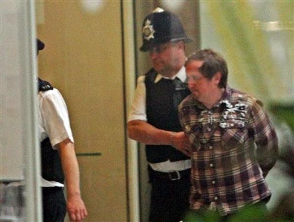 حمله به مرداک در پارلمان انگلیس
